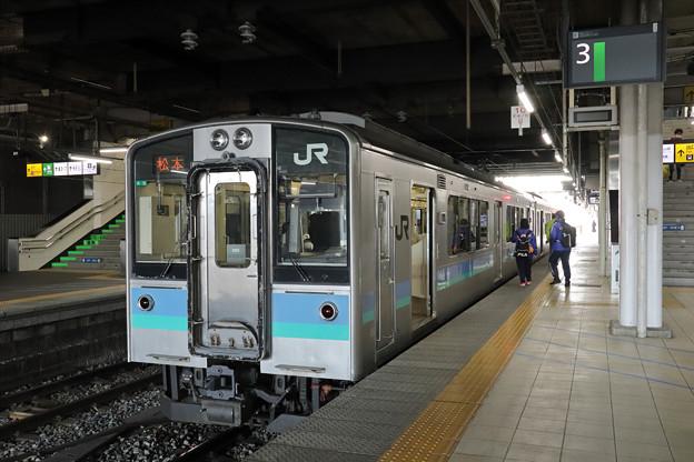 篠ノ井線E127系@長野駅