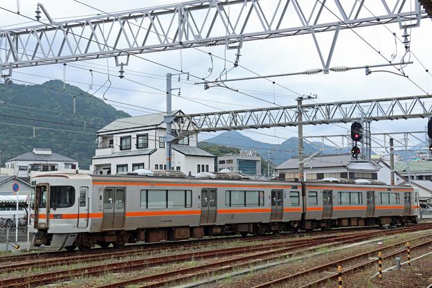 Photos: キハ25@新宮駅留置線