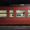 夜の列車交換@三谷駅