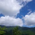 白雲の山並
