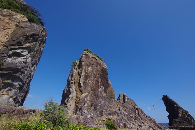 鹿岡鼻の岩々