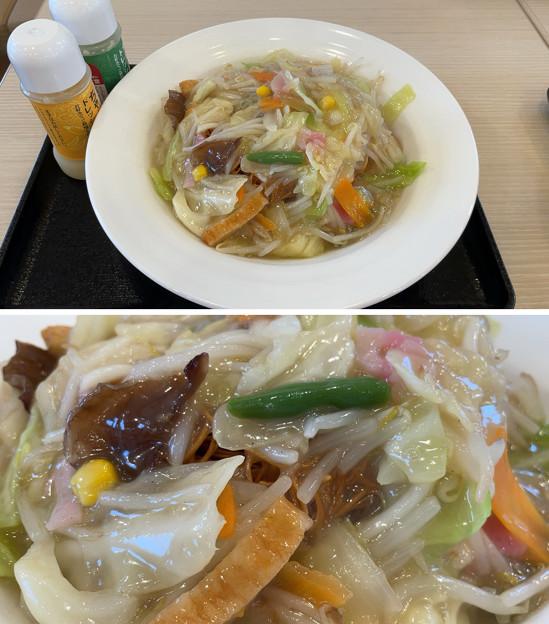 リンガーハット長崎ちゃんぽん3――野菜たっぷり皿うどん