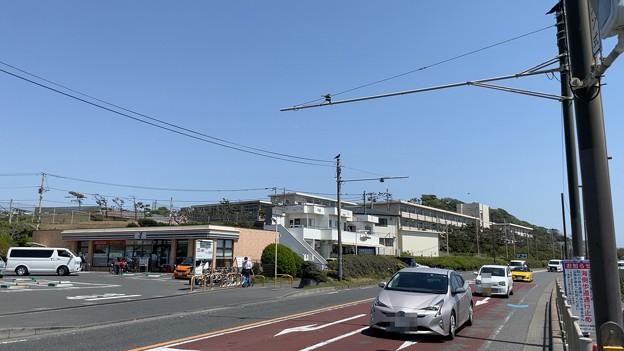 行合橋交差点・セブン鎌倉七里ガ浜店(神奈川県)