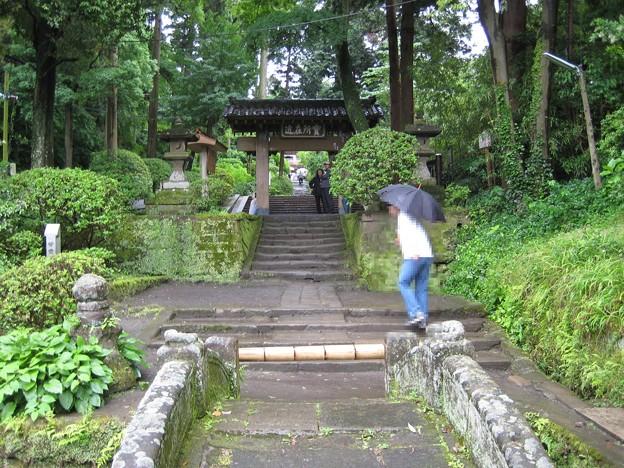 09.05.28.浄智寺(鎌倉市)参道・総門
