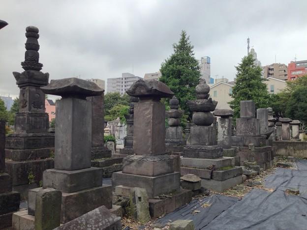 吉祥寺(本駒込3丁目)七日市藩前田家墓所