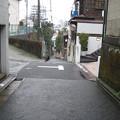 鐙坂(本郷4丁目)松平右京亮中屋敷跡・小役人屋敷跡境