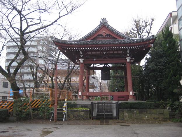 小石川伝通院(文京区)鐘楼