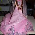 ウェディングドレスを着たシオン