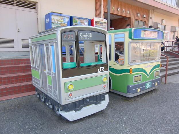 #8623 205系・バス遊具 2021-4-10