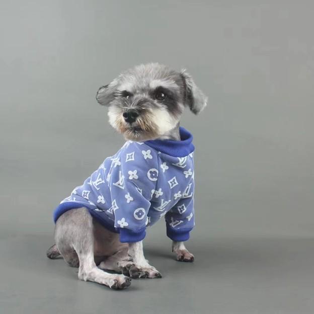 ルイヴィトン ブランド ペット用品と チャンピオン猫犬服