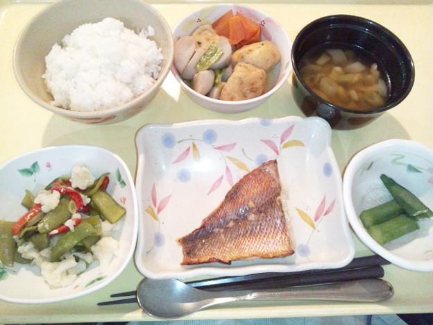 Photos: 2月25日夕食(赤魚の粕漬け焼き) #病院食