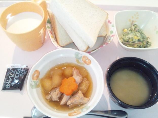 Photos: 3月1日朝食(鶏肉と冬瓜の煮物) #病院食