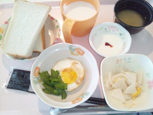 3月22日朝食(目玉焼き) #病院食