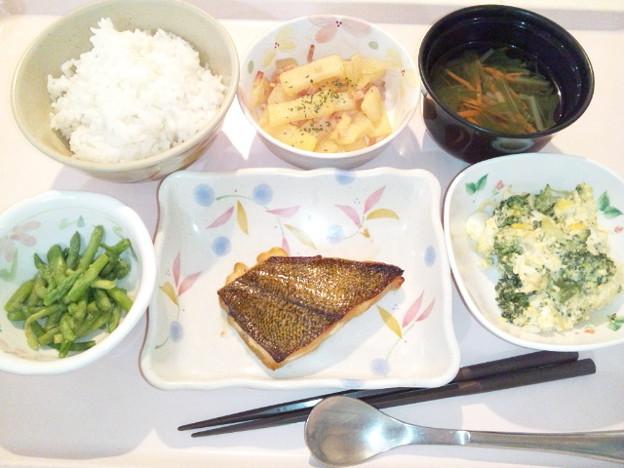 4月2日夕食(カレイのソテー) #病院食
