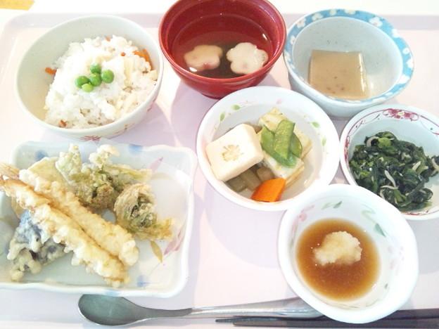 4月5日昼食(天ぷら盛り合わせ・筍御飯) #病院食