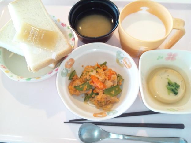 4月8日朝食(鮭フレークと野菜の炒め物) #病院食
