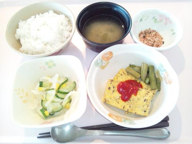 4月11日朝食(きのこのオープンオムレツ) #病院食