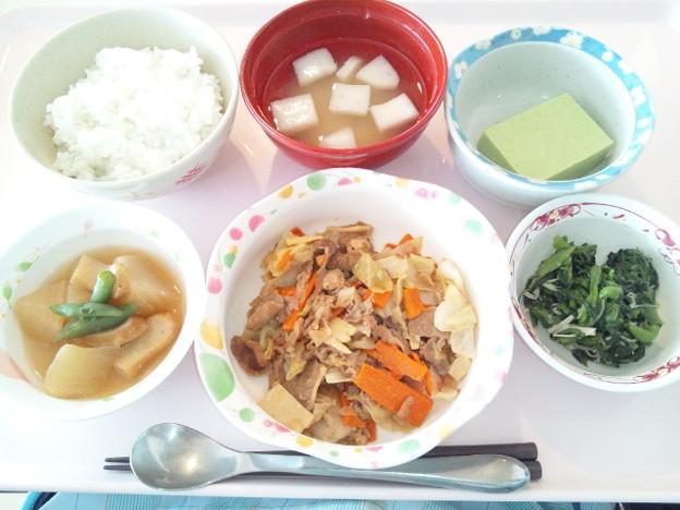 4月12日昼食(牛肉とキャベツの炒め物) #病院食