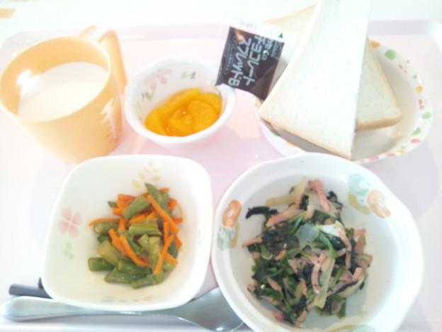 5月10日朝食(ハムとほうれん草のバターソテー) #病院食