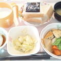 5月17日朝食(京がんもの煮物) #病院食
