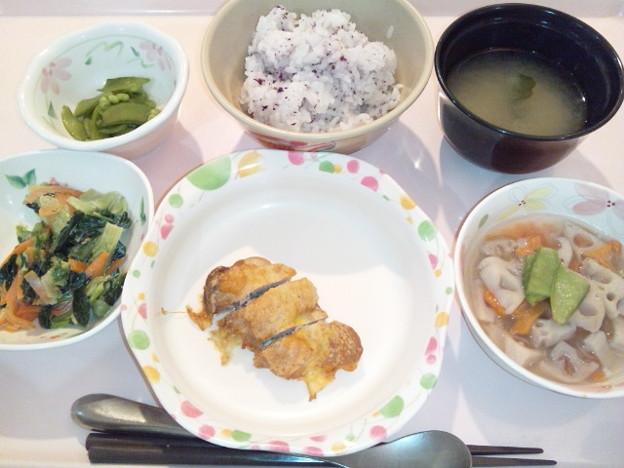 10月13日夕食(鶏の和風ピカタ・ゆかり御飯) #病院食