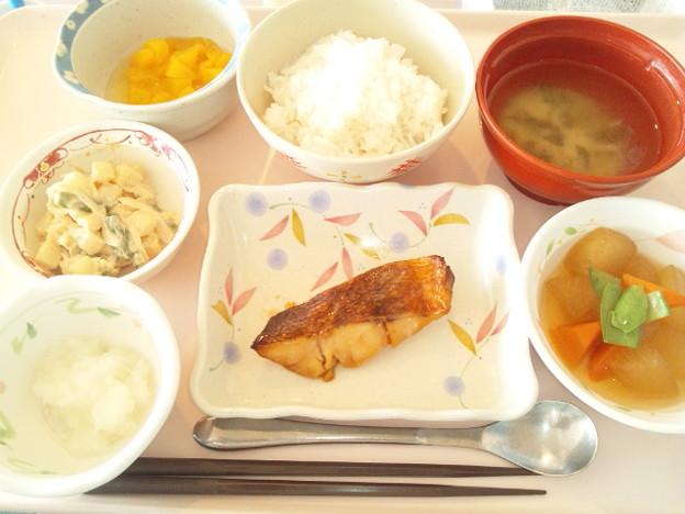 10月15日昼食(めばるの照り焼き) #病院食
