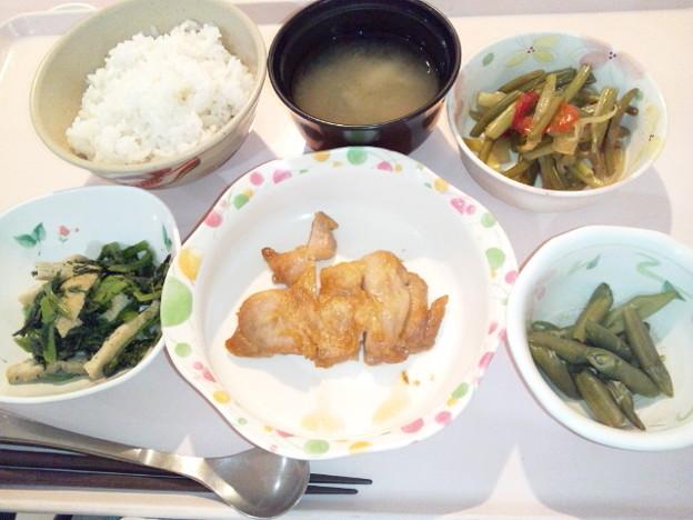10月15日夕食(鶏肉のにんにく醤油焼き) #病院食