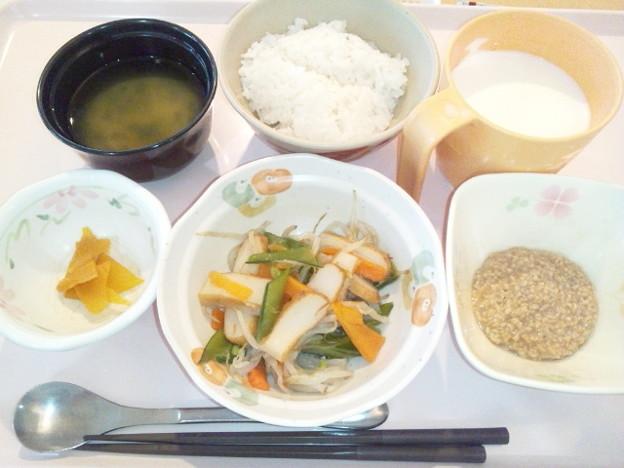 10月22日朝食(さつま揚げの炒め物) #病院食