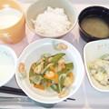 10月27日朝食(スナップえんどうと海老のソテー) #病院食