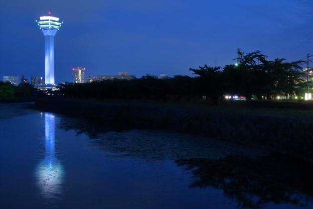 自閉症啓発デー ブルー五稜郭タワー