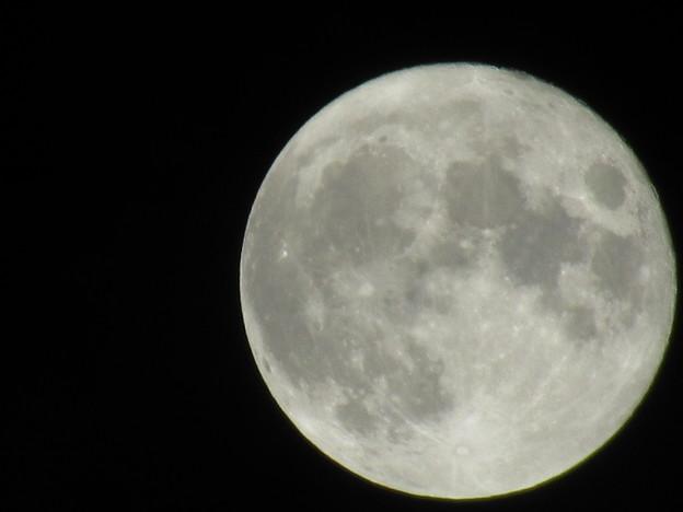 くっきり満月