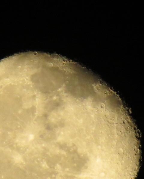 Photos: 月面
