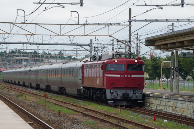 Photos: EF81 80+E26系