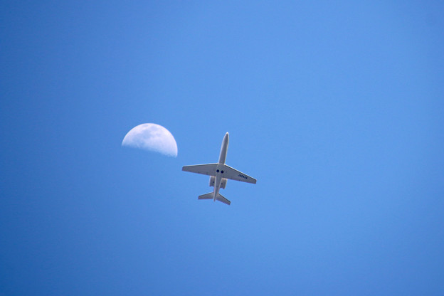 JA04AA 朝日航洋  Cessna 680 Citation Sovereign