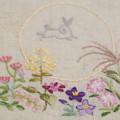Photos: 中秋の名月を刺繍する