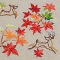 Photos: もみじと鹿を刺繍する