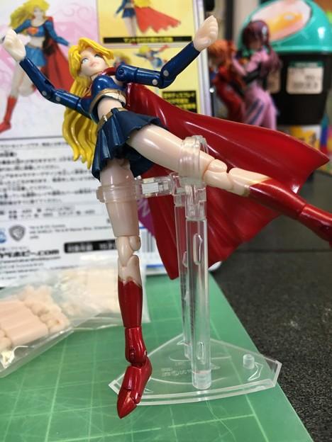 スーパーガール10