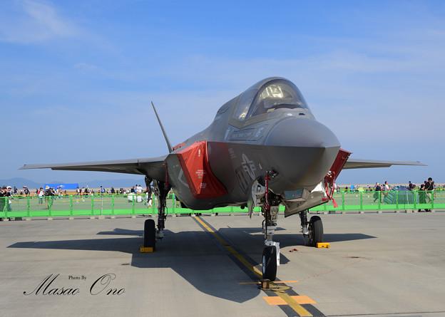 F-35B正面やや右