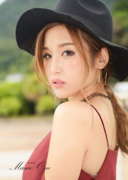 益田アンナ肩出しアップ2