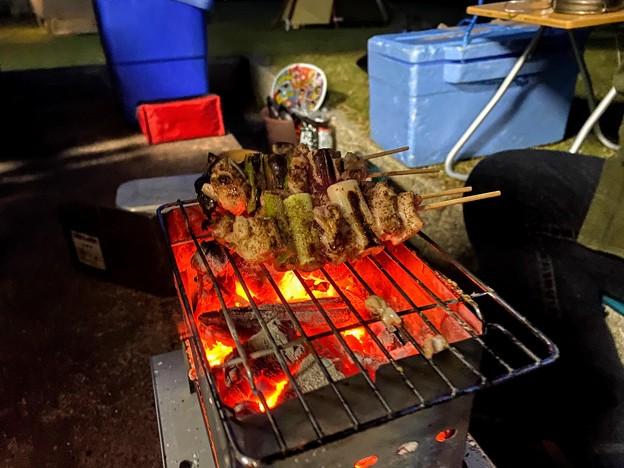 キャンプ飯の炭火焼き鳥