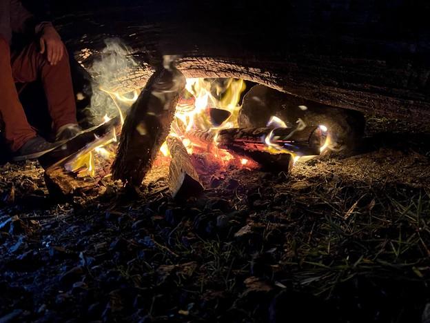 焚き火が暖かい