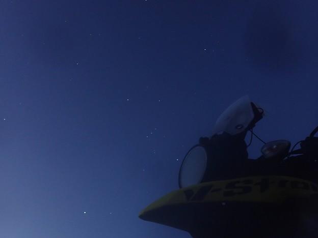夜明け前のオリオン座