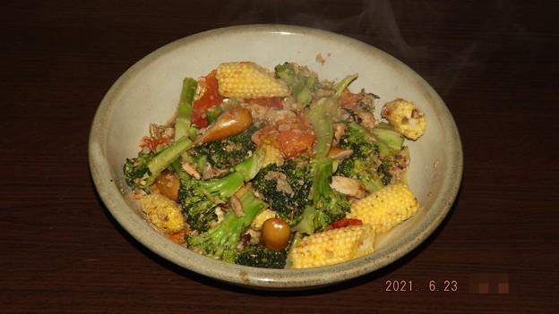 2021/06/23(水)・野菜とソーセージの蒸し煮