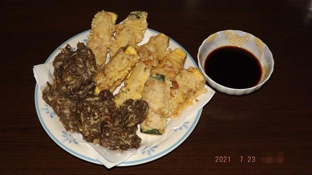 2021/07/23(金・祝)・和風・もずくの天ぷら&ズッキーニの肉巻き天ぷら