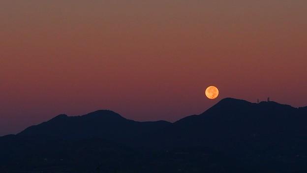 月がとっても丸いから
