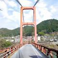 ダム湖の橋