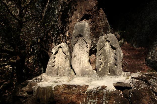 483 三神祠・石の御幣 御岩山