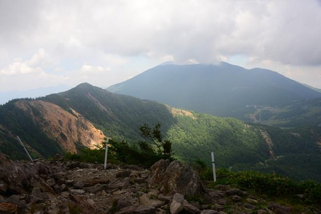 雲被る浅間山
