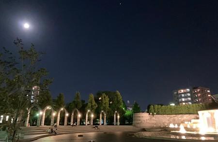 常盤公園と満月