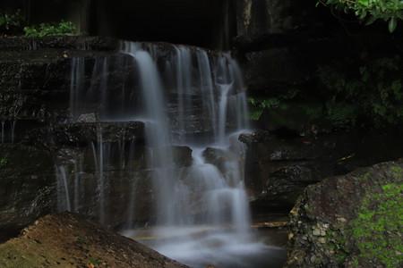 853 金沢川河口の滝